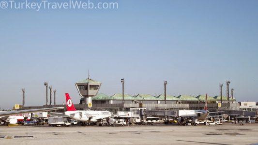 Аэропорт Стамбула ввел систему биометрического контроля