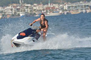 Водный спорт и водные аттракционы