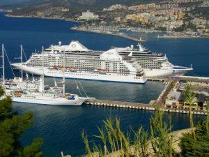 Кушадасы — популярный курорт на Эгейском море