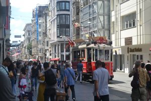Улица Истикляль в Стамбуле - рай для шопинга