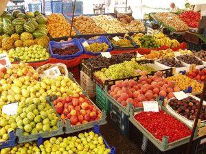 Пятничный базар в центре Алании